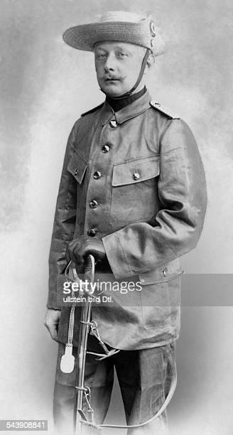 Kummer, Wilhelm von - Officer, GermanyOstasiatisches Reiter-Regiment, Schutztruppe for German Southwest Africa - Photographer: Selle & Kuntze-...