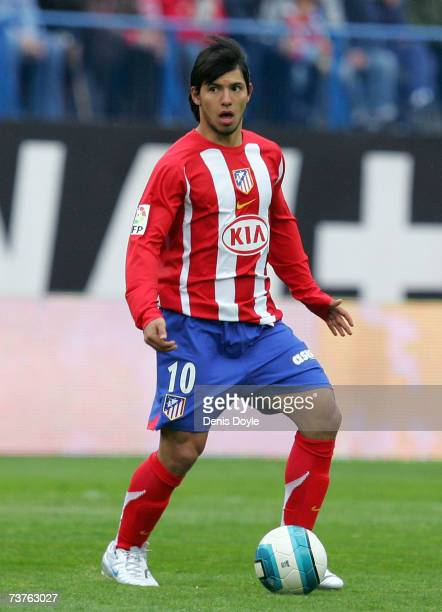 Kun Aguero of Atletico Madrid looks for a player to pass the ball to during the Primera Liga match between Atletico Madrid and Mallorca at the...