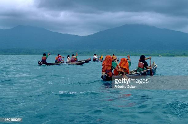 Kuna People in Panama Kuna is the name of an indigenous people of Panama and Colombia They live on the San Blas Islands an archipelago of 365 islands...
