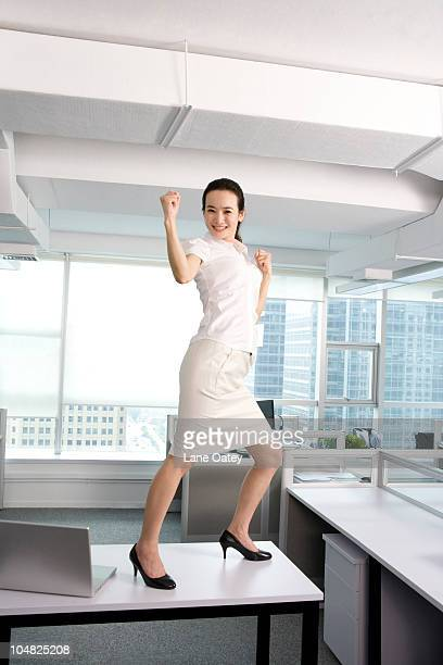 kung fu in the office - fighting stance stock pictures, royalty-free photos & images