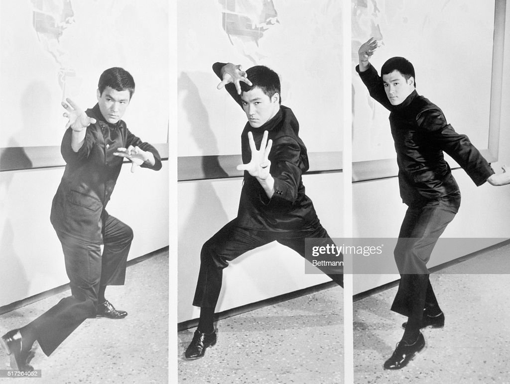 Bruce Lee Demonstrating Kung Fu Positions as Kato : News Photo