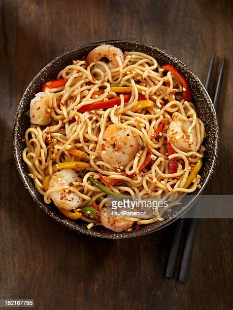 kung pao shrimp - noodles stock pictures, royalty-free photos & images