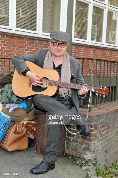 Kunze Heinz Rudolf Musiker Saenger Rockmusik D am Set zur Fernsehserie 'Das Grossstadtrevier'