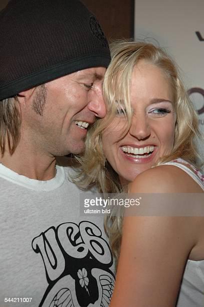 Kunze Janine Schauspielerin Dmit Ehemann Dirk Budach bei der Aftershow Party der COMET Verleihung 2004 in Köln 240904