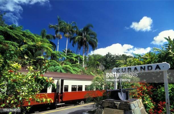 kuranda railroad, queensland - クランダ ストックフォトと画像