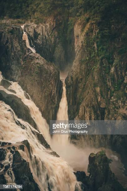 kuranda waterfall - クランダ ストックフォトと画像