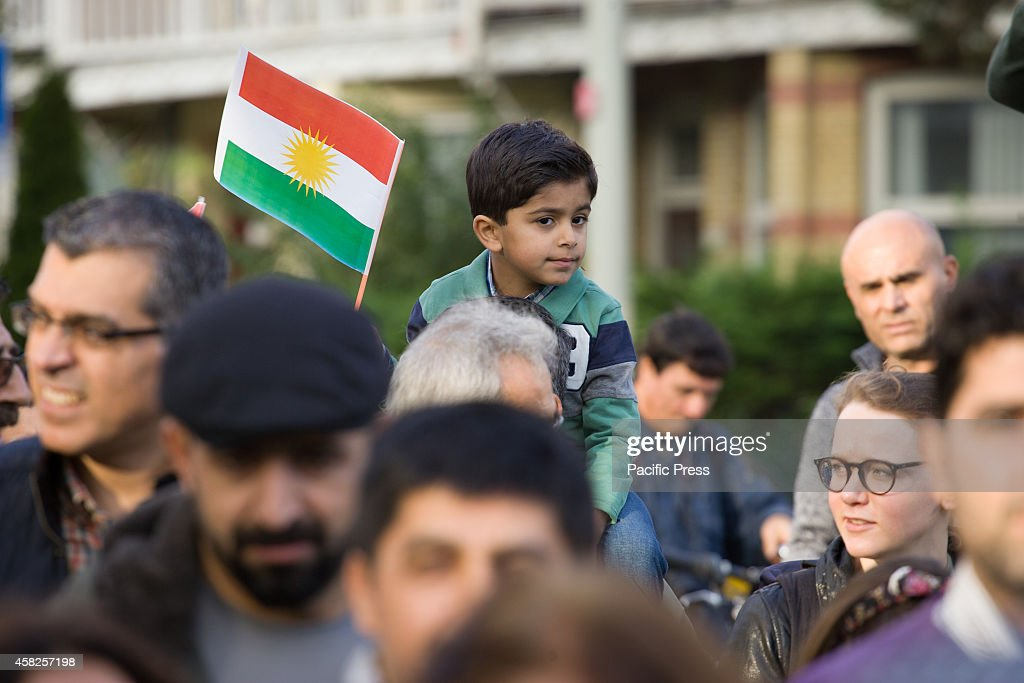 Kurdish people took part in a 2000 person strong march today... : News Photo