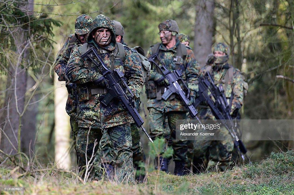 Bundeswehr Trains Kurdish And Iraqi Forces : News Photo