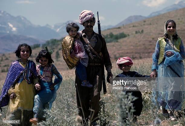 Kurds In Iraq. En Irak et au Kurdistan, en 1965, lors d'un reportage au sein des rebelles indépendantistes kurdes, un homme portant un foulard...