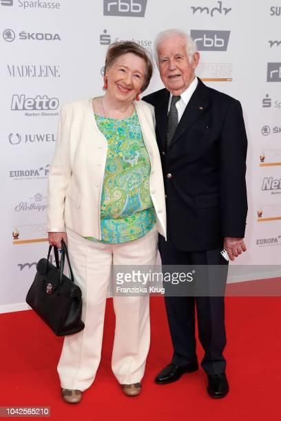 Kurt Biedenkopf and Ingrid Biedenkopf attend the Goldene Henne on September 28, 2018 in Leipzig, Germany.