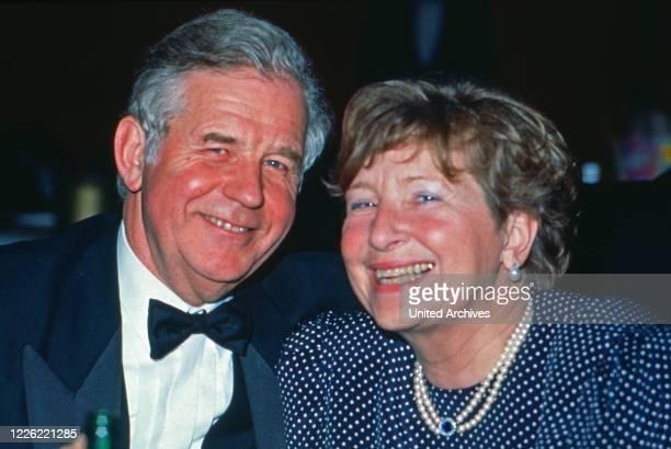 Kurt Biedenkopf, deutscher Politiker, mit Ehefrau Ingrid, Deutschland 1996