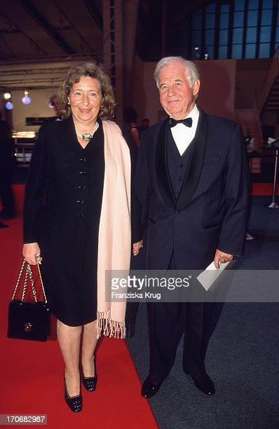 Kurt Biedenkopf Mit Ehefrau Ingrid Bei Abschiedsparty Für G J Vorstand G Schulte Hillen