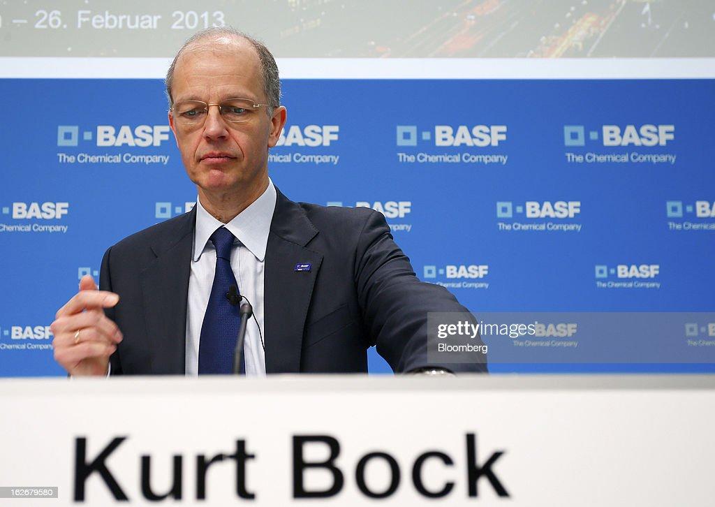 Kurt Bock, chief executive officer of BASF SE, prepares his
