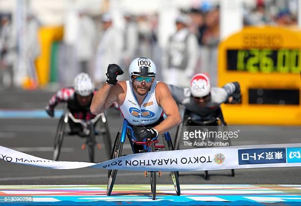 Kurt Fearnley of Australia celebrates winning the Men's Wheelchair during the Tokyo Marathon 2016 at the Tokyo Big Sight on February 28 2016 in Tokyo...
