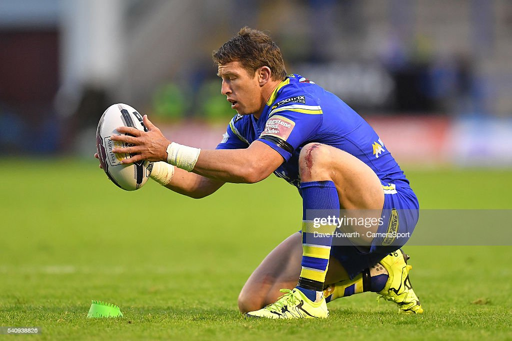 Kurt Gidley of Warrington Wolves prepares to take a conversion kick during the First Utility Super League Round 19 match between Warrington Wolves and Catalans Dragons at the Halliwell Jones Stadium on June 17, 2016 in Warrington, United Kingdom.