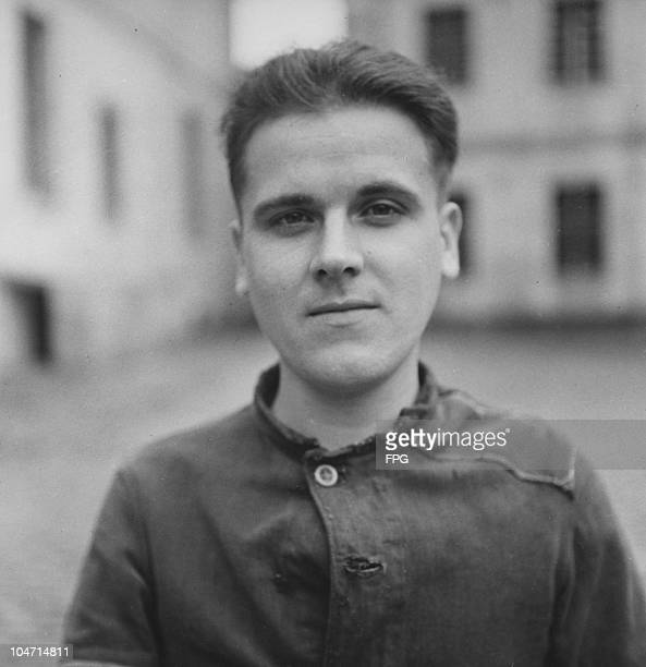 Kurt Sendsitzy, a guard at the Bergen-Belsen concentration camp, Germany, circa 1945. Charged with war crimes and crimes against humanity, Sendsitzy...