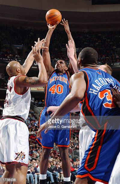 Kurt Thomas of the New York Knicks shoots over Derrick Coleman of the Philadelphia 76ers during the NBA game at First Union Center on January 10,...