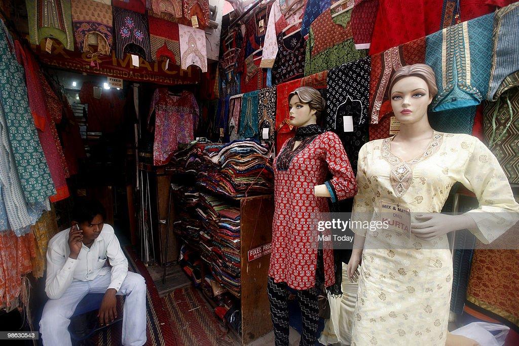A view of the Lajpath Nagar Market In Delhi : Nieuwsfoto's