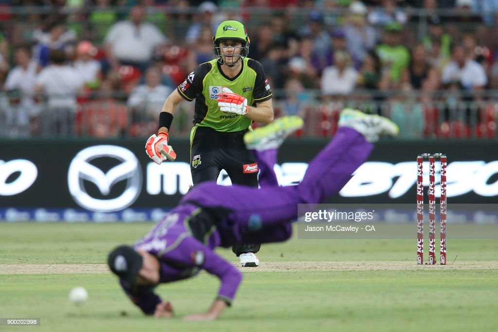 Kurtis Patterson of the Thunder bats during the Big Bash League match between the Sydney Thunder and the Hobart Hurricanes at Spotless Stadium on January 1, 2018 in Sydney, Australia.