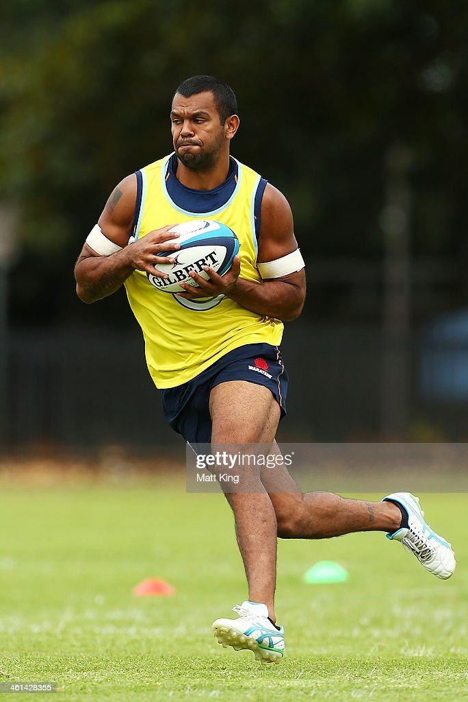 Kurtley Beale takes a pass during a Waratahs Super Rugby training sesssion at Moore Park on January 9, 2014 in Sydney, Australia.