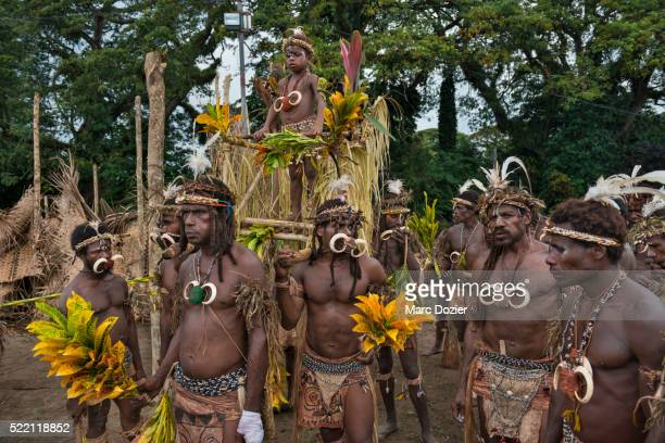 kusare worriors sing-sing group - circumcision stock pictures, royalty-free photos & images