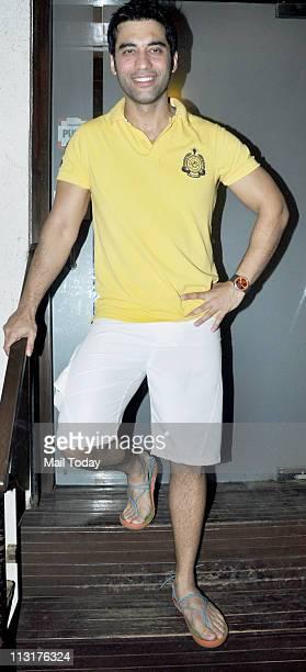 Kushal Punjabi at his birthday bash at Andheri Mumbai on April 25 2011