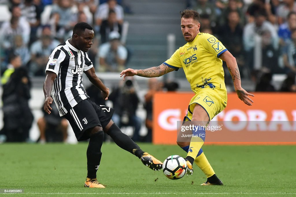 Kwadwo Asamoah of Juventus in in action during the Serie A match between Juventus and AC Chievo Verona on September 9, 2017 in Turin, Italy.