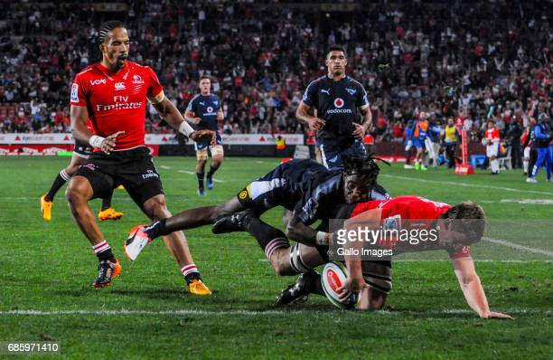 Kwagga Smith of the Lions scores a try during the Super Rugby match between Emirates Lions and Vodacom Bulls at Emirates Airline Park on May 20 2017...