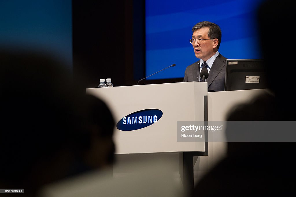 Kwon Oh Hyun, vice chairman and chief executive officer of Samsung Electronics Co., speaks during the company's annual general meeting at its Seocho office building in Seoul, South Korea, on Friday, March 15, 2013. Samsung Electronics's President of visual display Yoon Boo Keun and President of mobile communications J.K. Shin were appointed as co-chief executive officers following the meeting today, joining Kwon, who will also retain his position as co-CEO. Photographer: SeongJoon Cho/Bloomberg via Getty Images