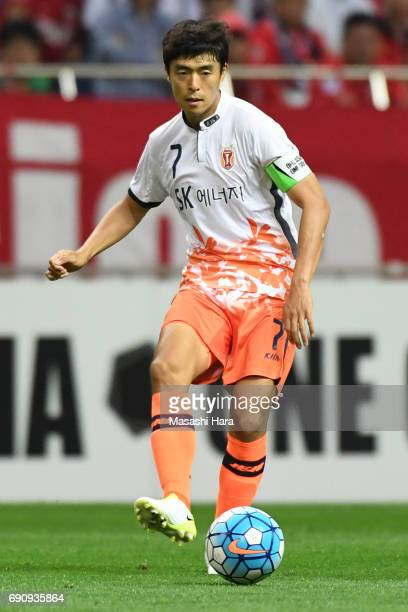 Kwon Soonhyung of Jeju United FC in action during the AFC Champions League Round of 16 match between Urawa Red Diamonds and Jeju United FC at Saitama...