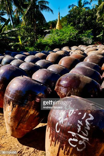 Kyauk Myaung village pottery, Myanmar