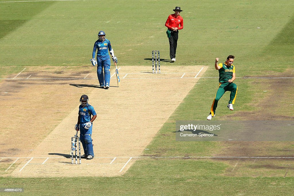 Kyle Abbott of South Africa celebrates dismissing Kusal Perera of Sri Lanka during the 2015 ICC Cricket World Cup match between South Africa and Sri Lanka at Sydney Cricket Ground on March 18, 2015 in Sydney, Australia.