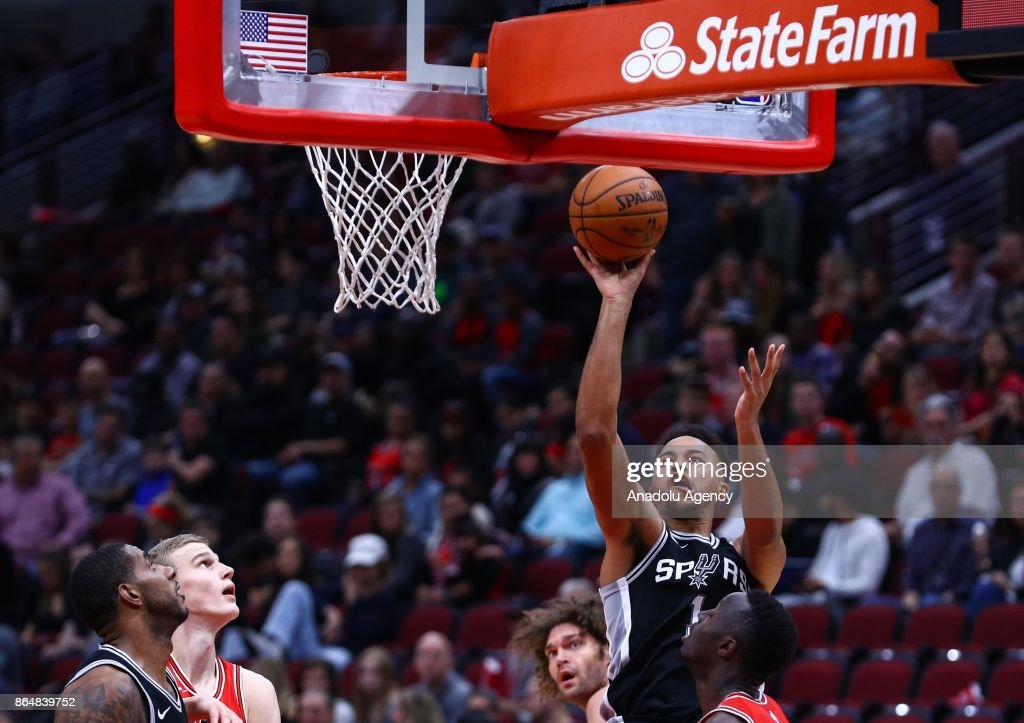 Kyle Anderson (1) of San Antonio Spurs in action during a preseason NBA game between Chicago Bulls and San Antonio Spurs at the United Center on October 21, 2017 in Chicago, United States.