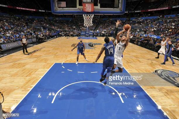 Kyle Anderson of the San Antonio Spurs drives to the basket against the San Antonio Spurs on October 27 2017 at Amway Center in Orlando Florida NOTE...