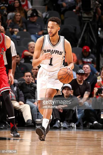 Kyle Anderson of the San Antonio Spurs handles the ball during the game against the Chicago Bulls on March 10 2016 at the ATT Center in San Antonio...