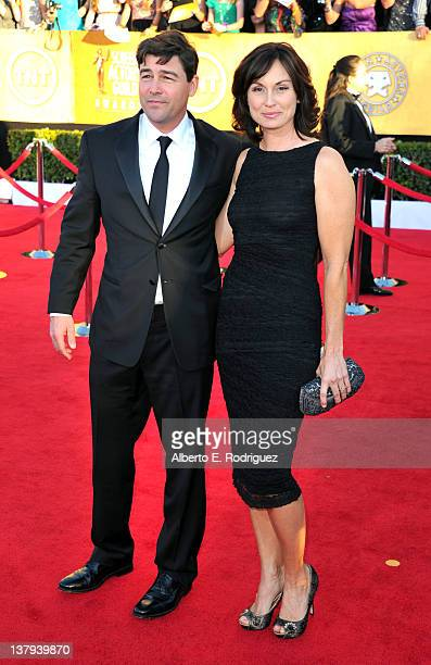 Kyle Chandler and Kathryn Chandler arrives at the 18th Annual Screen Actors Guild Awards at The Shrine Auditorium on January 29, 2012 in Los Angeles,...
