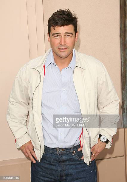 Kyle Chandler during Friday Night Lights Photo Call at Leonard H Goldenson Theater in North Hollywood California United States