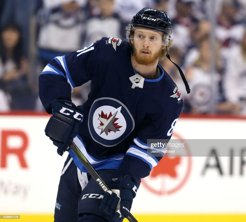 Minnesota Wild v Winnipeg Jets - Game Five : News Photo