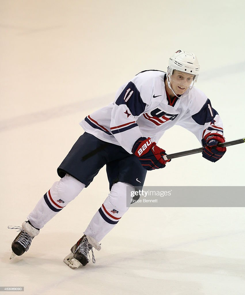 USA Blue v USA White - 2014 USA Hockey Junior Evaluation Camp : News Photo