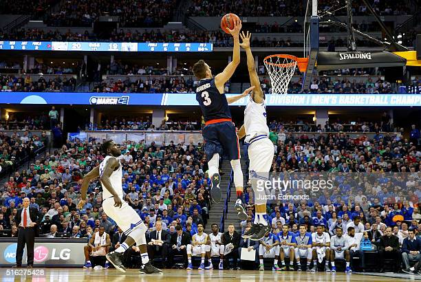Kyle Dranginis of the Gonzaga Bulldogs shoots against the Seton Hall Pirates in the first half during the first round of the 2016 NCAA Men's...