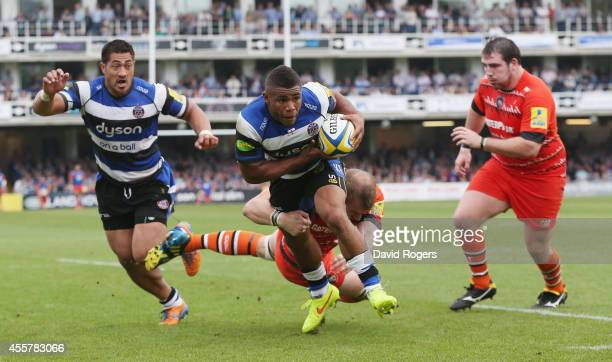 Kyle Eastmond of Bath breaks clear to score a try during the Aviva Premiership match between Bath and Leicester Tigers at the Recreation Ground on...