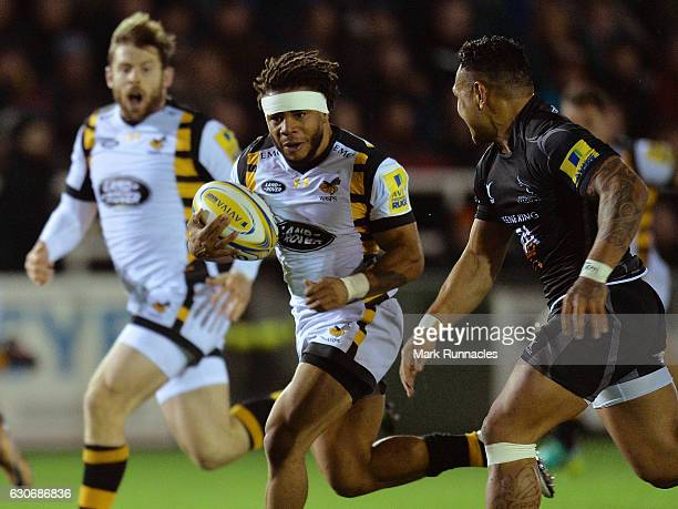 Kyle Eastmond of Wasps breaks free of the Newcastle Falcons defence during the Aviva Premiership match between Newcastle Falcons and Wasps at...