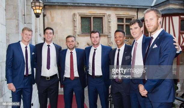 Kyle Edmund Cameron Norrie Dan Evans captain Leon Smith Jay Clarke Jamie Murray and Dominic Inglot of Great Britain pose prior to the France v Great...