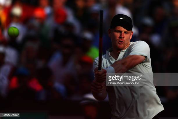 Kyle Edmund of Great Britain returns a backhand in his match against Alexander Zverev of Germany during day 5 of the Internazionali BNL d'Italia 2018...