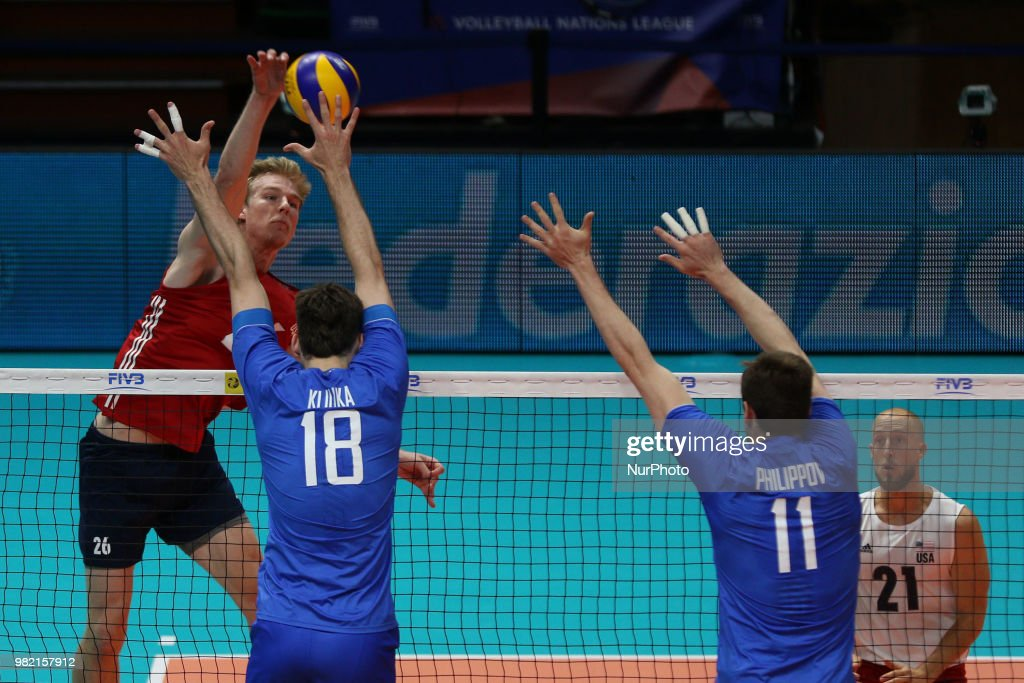 USA v Russia - FIVB Volleyball Nations League