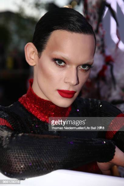 Kyle Farmery arrives for the Life Ball 2018 at City Hall on June 2 2018 in Vienna Austria The Life Ball an annual charity event raising funds for HIV...