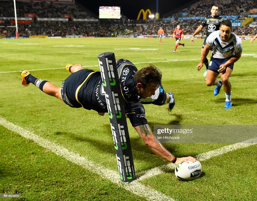 Kyle Feldt of the Cowboys scores a try during the round 13 NRL match between the North Queensland Cowboys and the Gold Coast Titans at 1300SMILES Stadium on June 3, 2017 in Townsville, Australia.