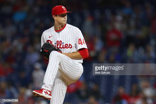 Kyle Gibson of the Philadelphia Phillies sin action against the Pittsburgh Pirates in a game at Citizens Bank Park on September 24, 2021 in...