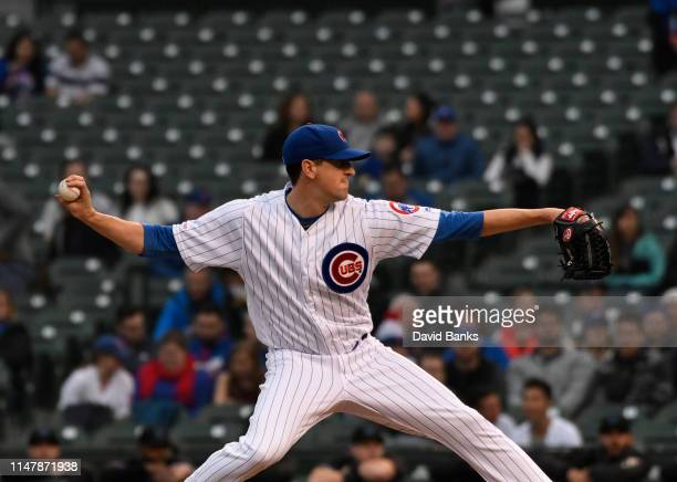 Kyle Hendricks of the Chicago Cubs pitches against the Miami Marlins during the first inning at Wrigley Field on May 08 2019 in Chicago Illinois