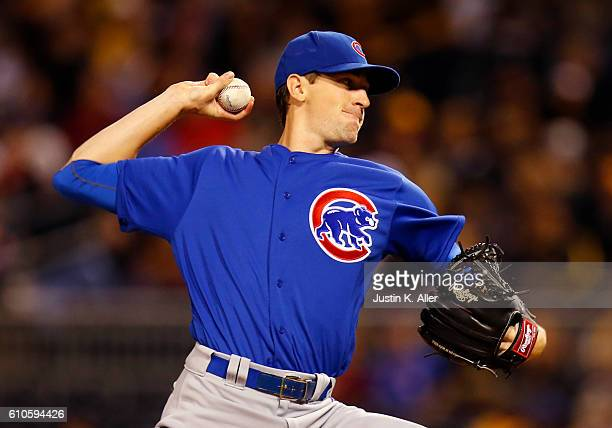 Kyle Hendricks of the Chicago Cubs pitches in the first inning during the game against the Pittsburgh Pirates at PNC Park on September 26 2016 in...